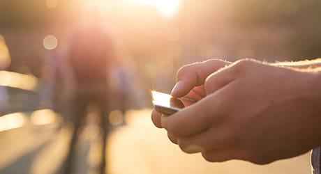 Behalten Sie alles rund um Ihren Solarstrom per App im Blick.