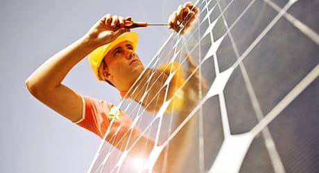 Lassen Sie beim Thema Hausspeicher und PV-Modul bewährte Fachpartner machen.