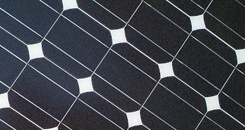 Das sind monokristalline Solarzellen für Photovoltaik.