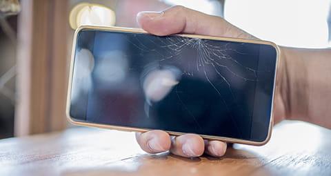 EWE kümmert sich um Ihr kaputtes Smartphone - jetzt Handyreparatur in Anspruch nehmen.